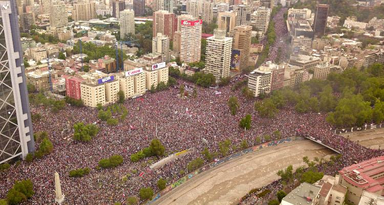 marcha mas grande de Chile pidiendo un nuevo pacto social